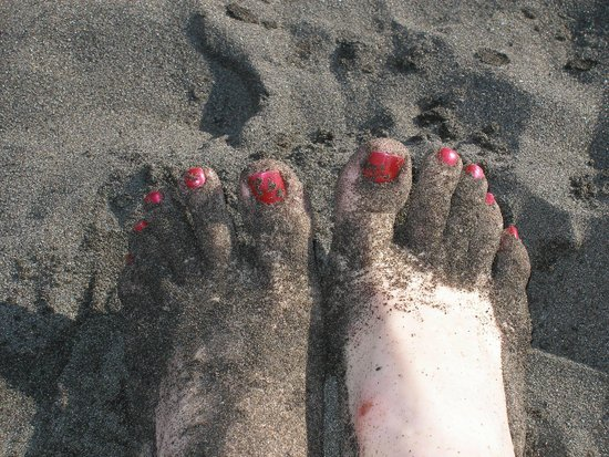 Baia Negra: черный крупный вулканический песок