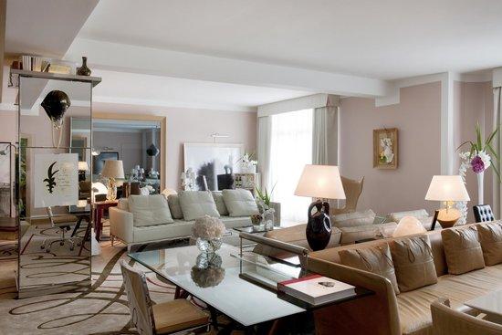 Le Royal Monceau-Raffles Paris : Le Royal Monceau Raffles Paris - Royal Monceau Suite - Living room