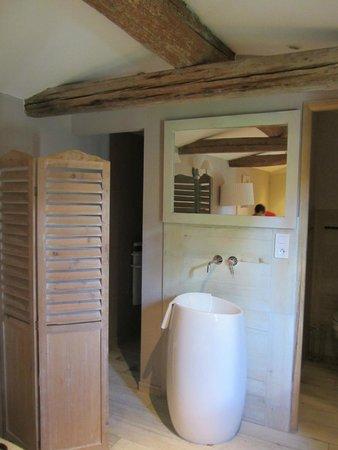 Mas Guiraud : Vers la salle de bain