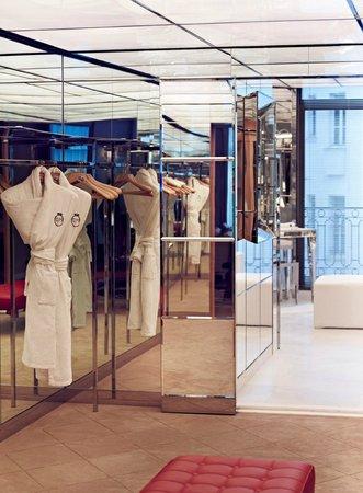 Le Royal Monceau-Raffles Paris : Le Royal Monceau Raffles Paris - Royal Monceau Suite - dressing