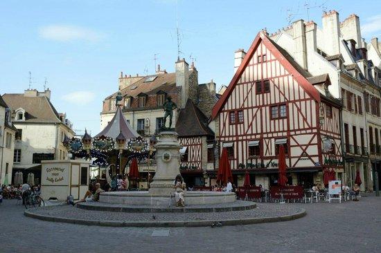 Rue Des Forges: Francoise Rude Square