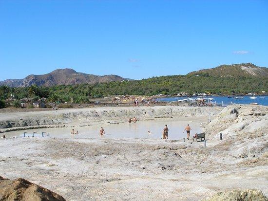 Terme di Vulcano : озеро с серо-водородной грязью