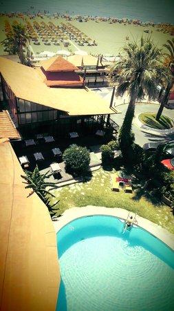 Hotel Tropicana: ontbijten in het zonnetje? Geen probleem!