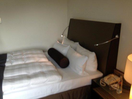 Steigenberger Hotel Berlin: Кровать