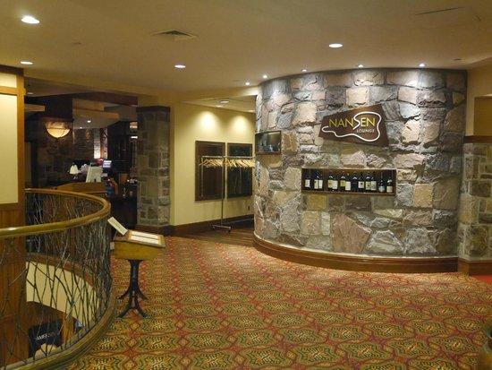 Fairmont Tremblant: Entrance to hotel restaurant