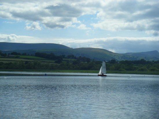 Lakeside Caravan and Camping Park: Llangorse Lake