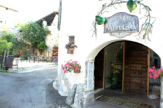 Restaurant Mistica