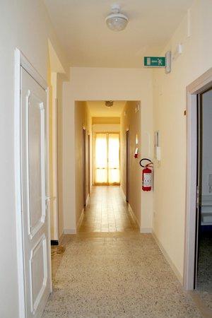 Hotel Lagomaggio: Corridoio piani