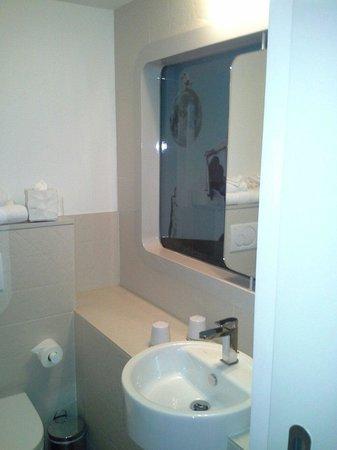Hotel Le Marcel: Sdb