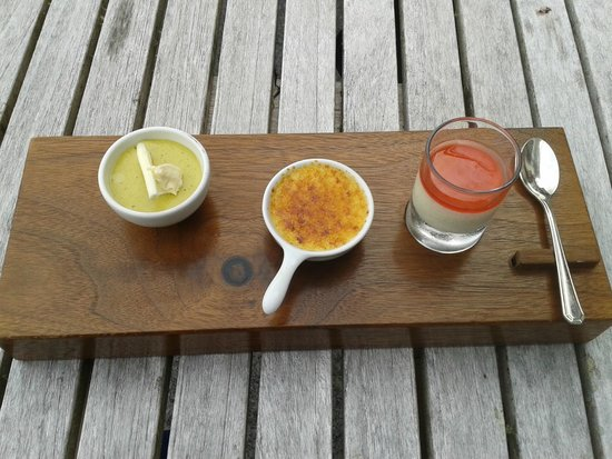 Gidleigh Park Restaurant: with coffee