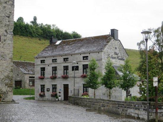 Hôtel Le Saint Hadelin : Celles Hotel Le Saint Hadelin