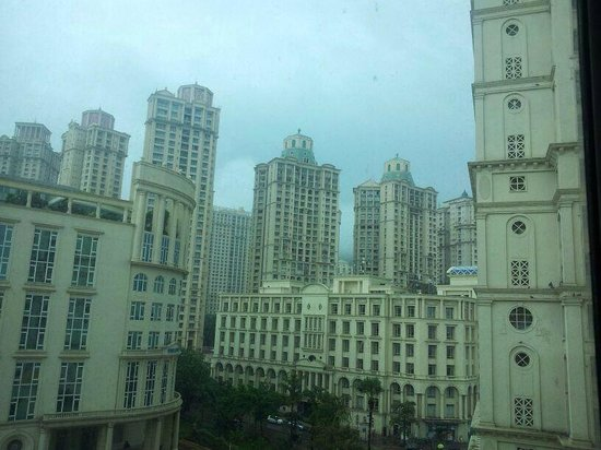 Meluha The Fern - An Ecotel Hotel, Mumbai: the hiranandani towers visible from the room