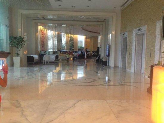 Meluha The Fern - An Ecotel Hotel, Mumbai: lobby