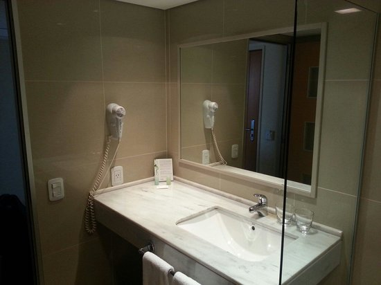 Hotel Urbano Posadas : Baño