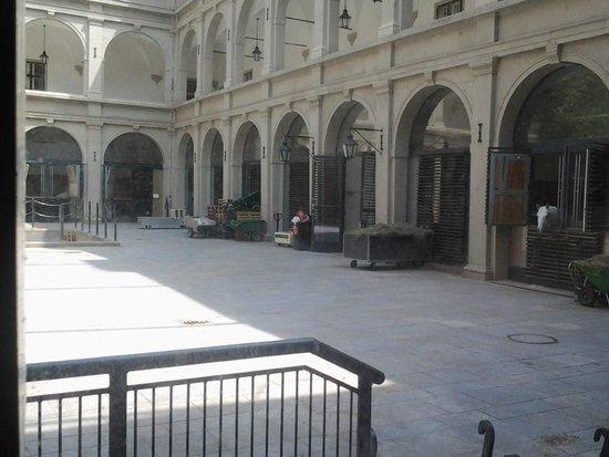 Historisches Zentrum von Wien: Королевские конюшни.
