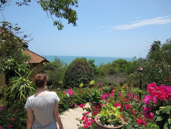 Poshanu Resort: Blick vom Bungalow über die Anlage