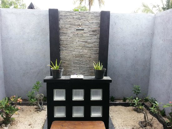 Kaluku Gili Resort : shower