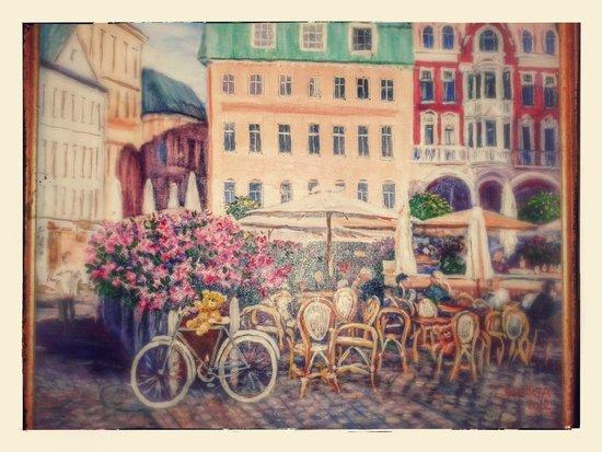 Teddy Bear Hostel Riga : Одна из картин (на кухне), явно написанных специально для хостела