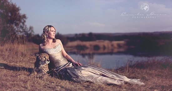 The Farm Inn: Wedding photographs in the game reserve with Anthony the tame cheetah