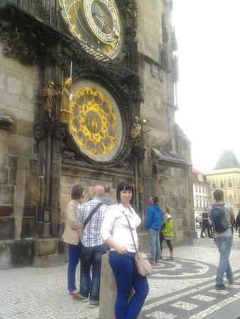 Discover Prague Tours: Я на фоне часов.