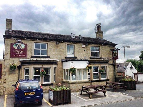 The Shepherds Arms Public House & Restaurant: -