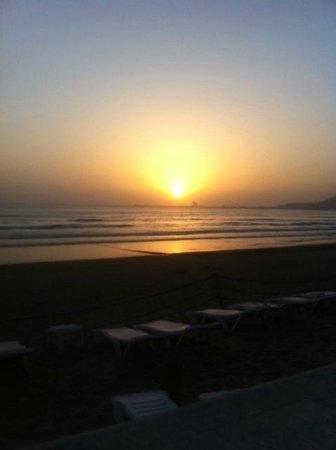 Atlas Amadil Beach Aqua Sun : на берегу океана, рядом с отелем