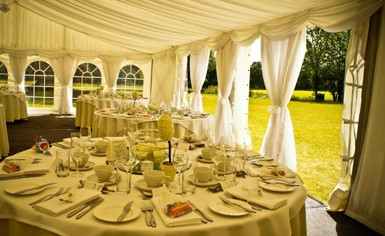 Eastclose Country House Hotel: The Marquee