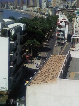 Hotel Internacional: View from my terrace of Poniente beach and 'Dove park, just one minute from hotel