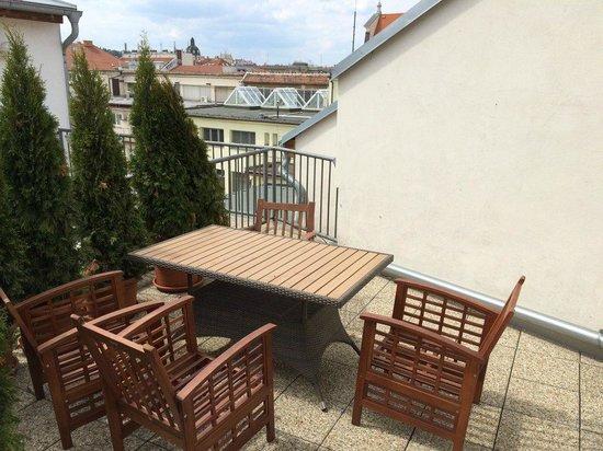 Jacob Brno Apartments - Hostel - Penzion: Тераса