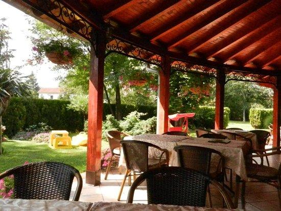 Restoran Dincic - The terrace is beautiful