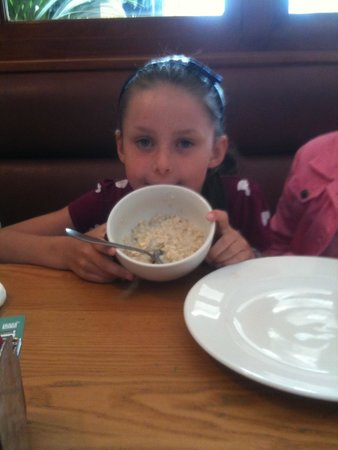 The Auctioneer: Porridge with banana & honey for breakfast !!