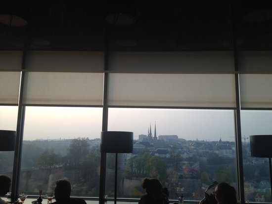 Sofitel Luxembourg Le Grand Ducal: Vue depuis le bar