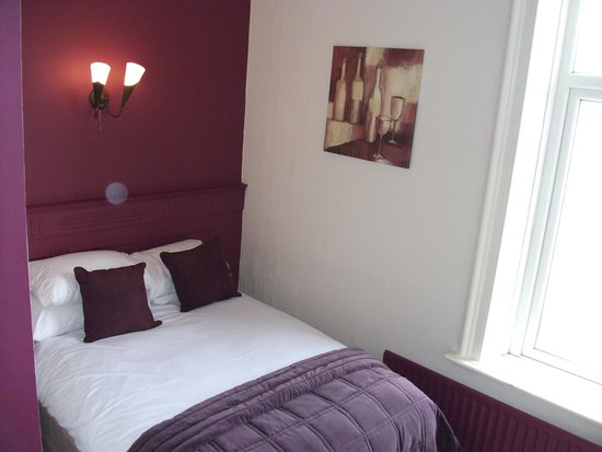 Staincliffe Hotel: Room 12 small double