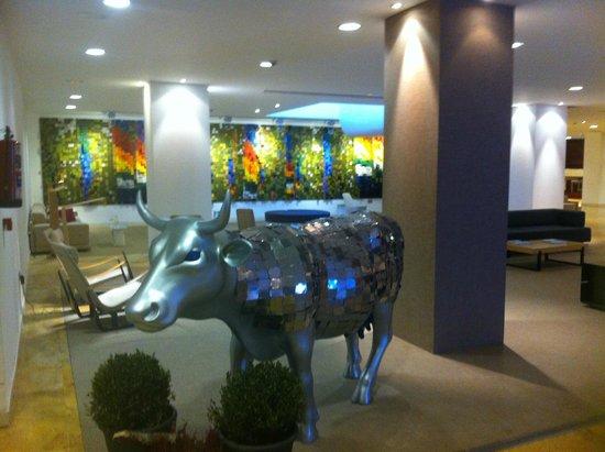 Barcelo Bilbao Nervion : Entrée/Réception de l'hôtel