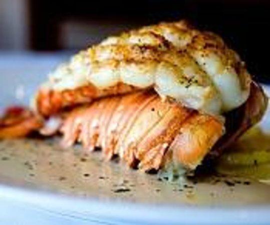 Inn For All Seasons Restaurant: Lobster