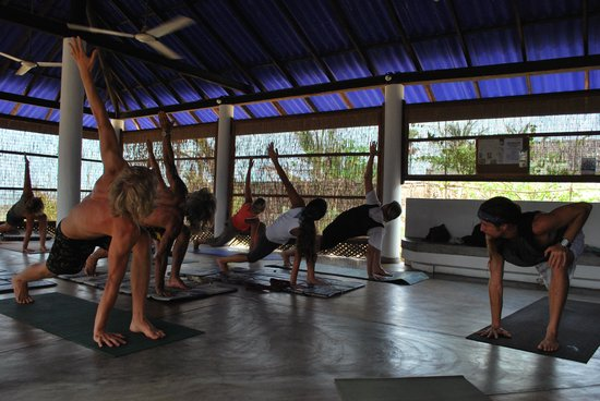 Pottuvil, Sri Lanka : General All level group ~  Drop in classes