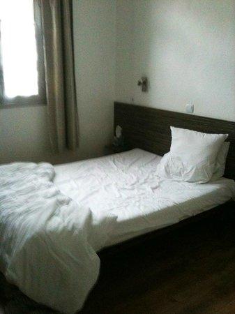 Ashley Hotel : Chambre : Lit