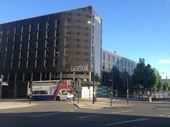 Hotel La Tour: 5 minute walk from the Bullring Shopping Centre