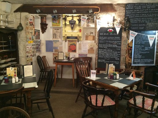 The Old Stables Tea Rooms: inside the old stables tearooms