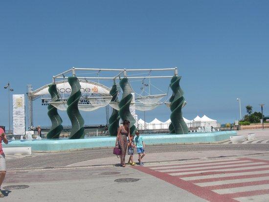 Hotel Colombo: Ottima posizine a pochi passi dal mare