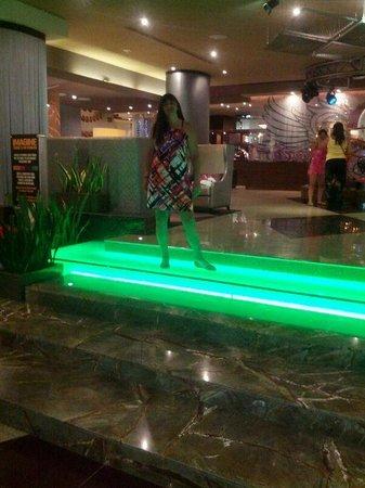 Hard Rock Hotel Cancun: Foto tomada en el lobby del hotel