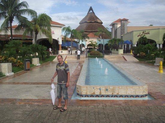 Sandos Playacar Beach Resort : :)