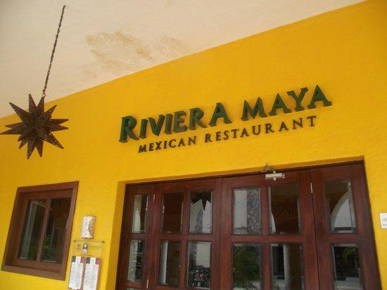 Sandos Playacar Beach Resort: Mexican rest..