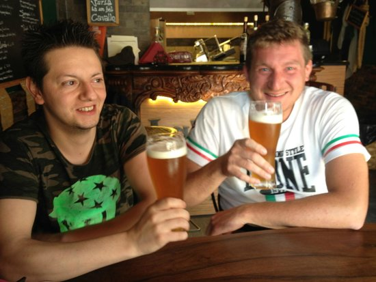La Tana del Boia : Craft Beer with my friends