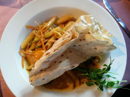 Spencer's Tall Trees Restaurant: Curried chicken penne