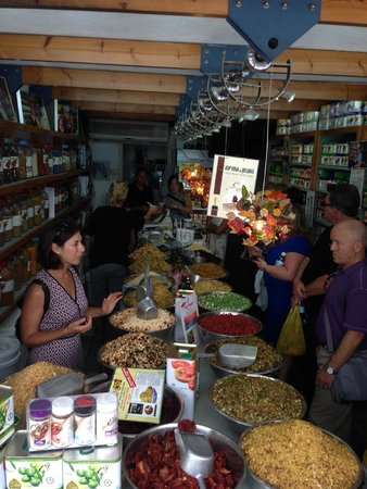 Delicious Israel - Private Culinary Walking Tours: learning about common Israeli spices