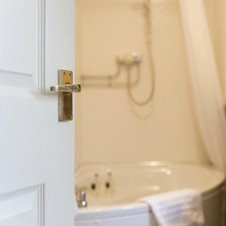 Tyn Rhos Country House: Bathroom