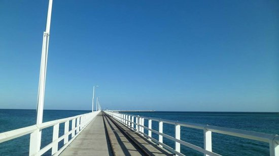 Busselton Jetty : Morning run on the Jetty for Free!!