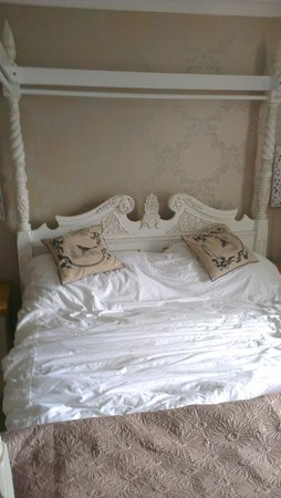 Carleton Green Country House B & B: lovely comfy bed