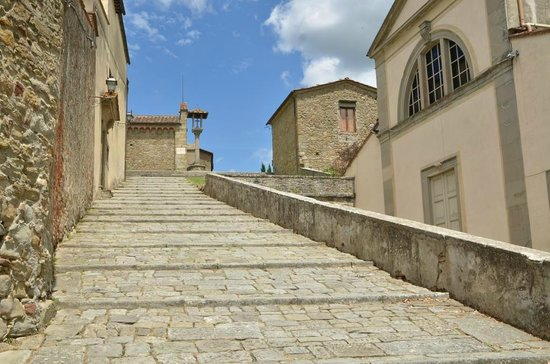 Franciscan Missionary Museum - Convento di San Francesco: Arrivando al convento
